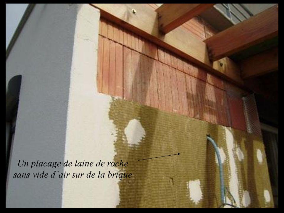 Un placage de laine de roche sans vide dair sur de la brique