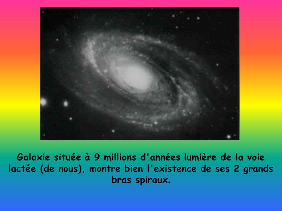 Galaxie située à 9 millions d'années lumière de la voie lactée (de nous), montre bien l'existence de ses 2 grands bras spiraux.