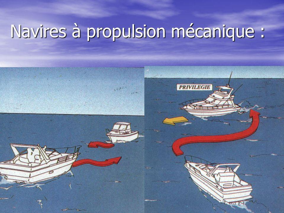 Navires à propulsion mécanique :