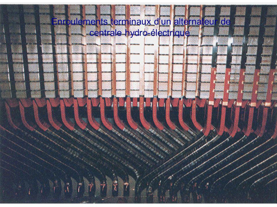 Enroulements terminaux dun alternateur de centrale hydro-électrique