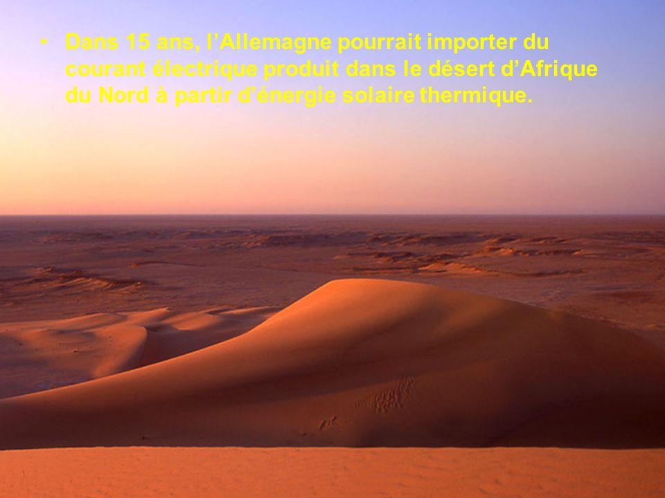 Cette première centrale se présente sous la forme dun vaste champ de près de 70 hectares, planté de 624 miroirs orientables, dune surface de 121 mètre