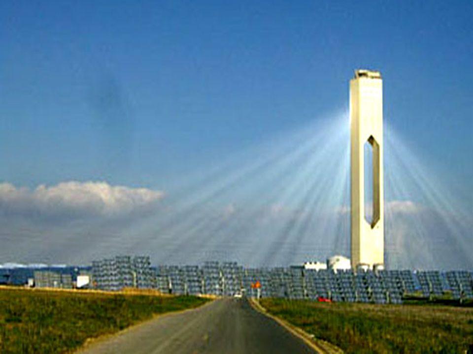 Tour solaire de Séville La première centrale de ce complexe vient dêtre inaugurée.