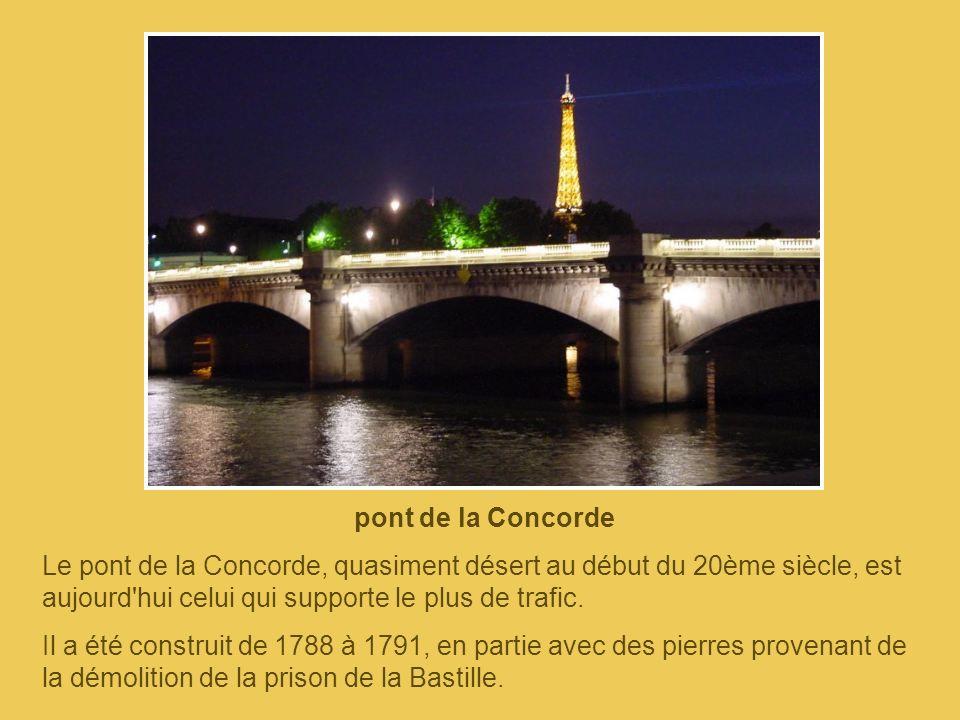 pont Alexandre III La construction du pont Alexandre III a été décidée en 1896, à cause des difficultés de circulation, de la création de la gare des