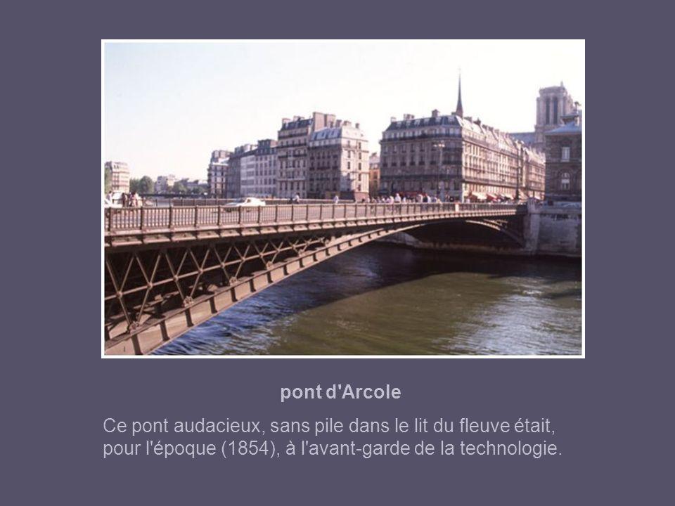 pont Notre Dame Ce beau pont est l'ouvrage de Jean Joconde, célèbre architecte véronais. Il fut achevé en 1507. Le pont Notre-Dame étant démoli en 149