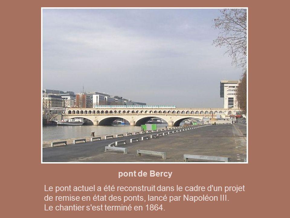 pont Charles de Gaulle Le dernier-né des ponts parisiens pour la circulation automobile (1993-1996) s'inscrit dans une politique de développement de l