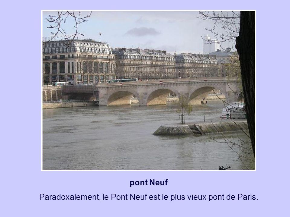 pont Saint Michel C'est en 1424 qu'il a reçu le nom de Saint Michel, en raison de la chapelle Saint Michel toute proche.