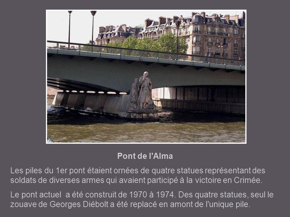 passerelle Debilly C'est dans ce décor d'exposition universelle qui occupait alors les berges de la Seine, que la passerelle, à l'origine provisoire,