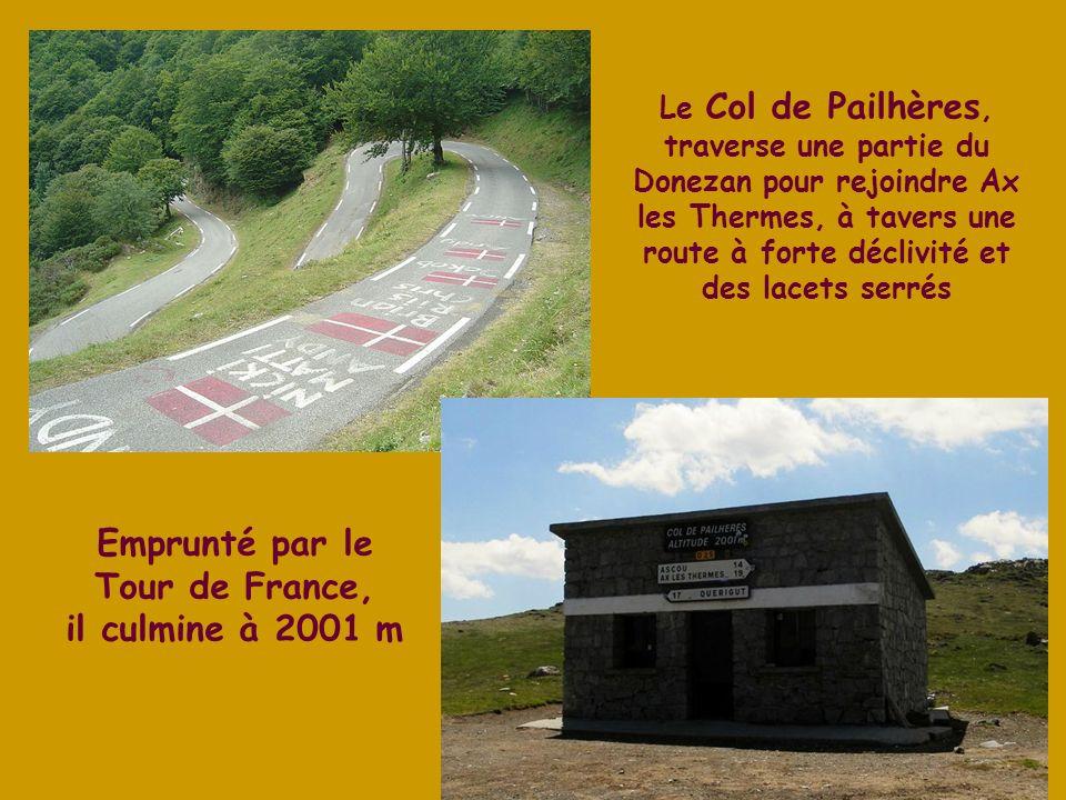 La Dent dOrlu ou Pic de Brasseil, culmine à 2 222 m, proche de la station de ski de Ascou-Pailhères en Ariège