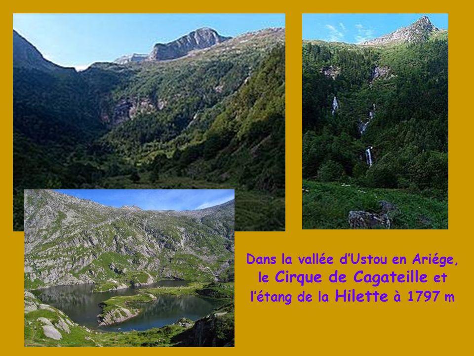 Le Mt Valier, Seigneur du Couserans, culmine à 2838 m Un « Chemin de la Liberté » passant près de létang Long, entre St Girons et Esteri en Catalogne,