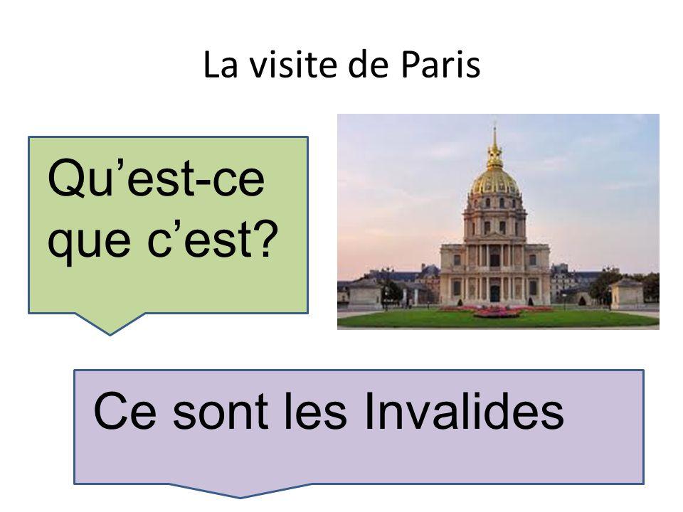 La visite de Paris Voilà un bâteau- mouche Il est à gauche