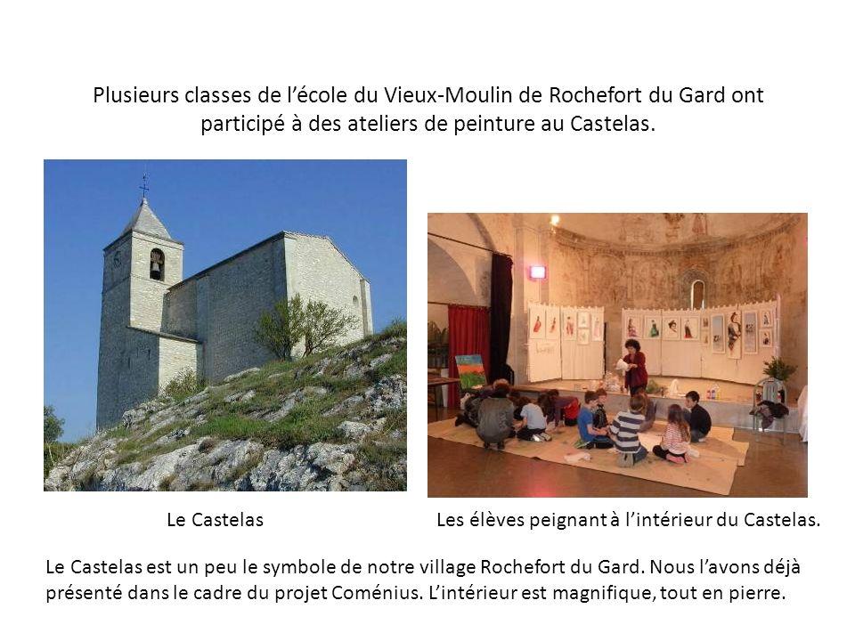 Plusieurs classes de lécole du Vieux-Moulin de Rochefort du Gard ont participé à des ateliers de peinture au Castelas. Le CastelasLes élèves peignant