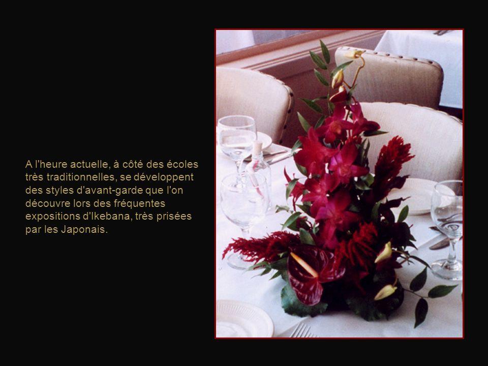 L'ikebana est plus qu'un art floral, il s'agit de marier les fleurs entre elles dans le respect et la connaissance de la nature.