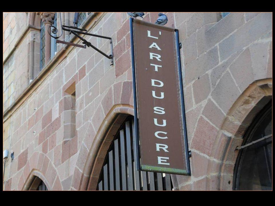 En 1988, Yves Thuriès crée au sommet de la cité de Cordes sur Ciel, dans la très belle Maison Prunet, son laboratoire de pâtisserie