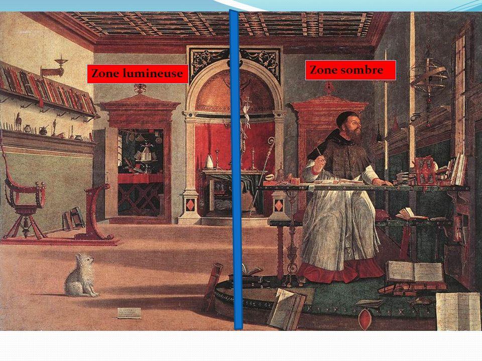Un plafond à caissons Une niche stylisée Des œuvres dart Une grande fenêtre Un intérieur voué à létude et à la lecture