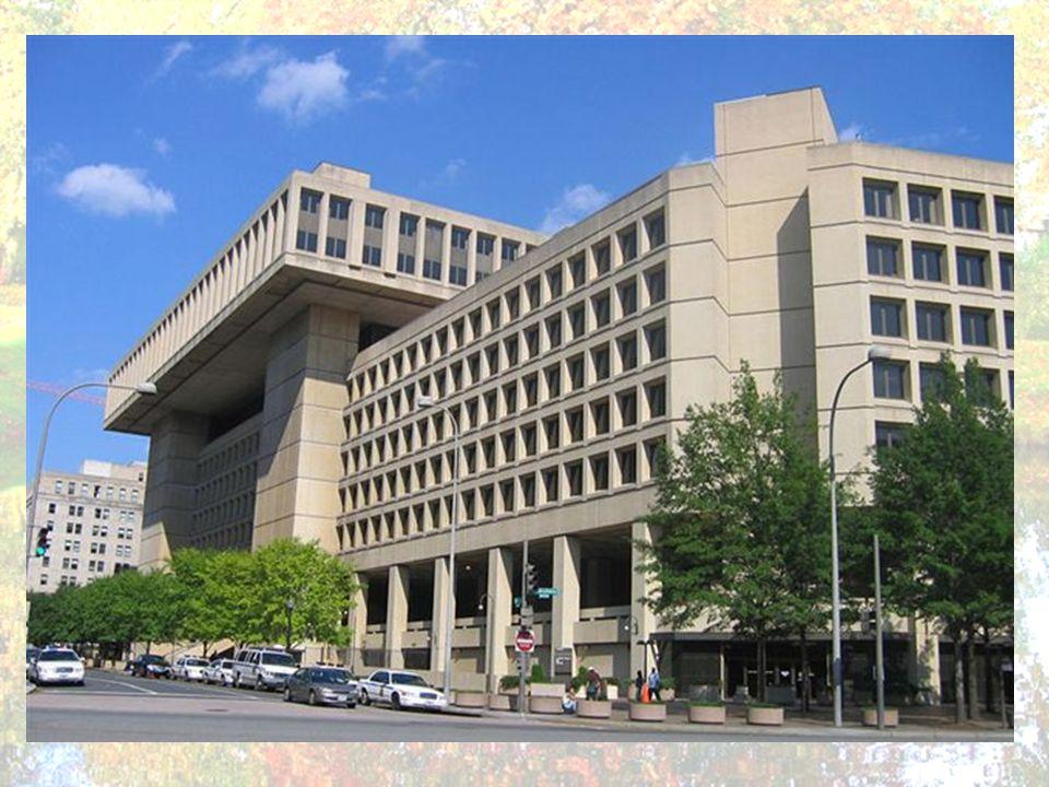 Le Federal Bureau of Investigation ou très couramment abrégé FBI est aux États-Unis le principal service fédéral de police judiciaire et un service de renseignement intérieur.