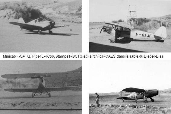 Minicab F-OATQ, Piper L-4Cub, Stampe F-BCTG et Fairchild F-OAES dans le sable du Djebel-Diss