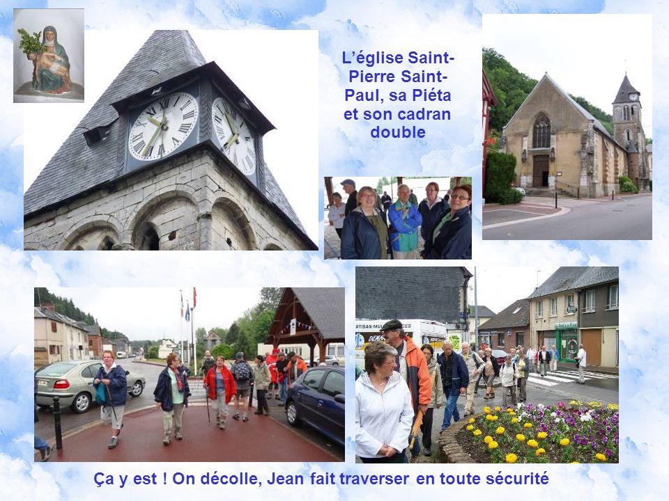 Nous sommes 35 au départ devant le bureau de Poste de Montfort-sur-Risle