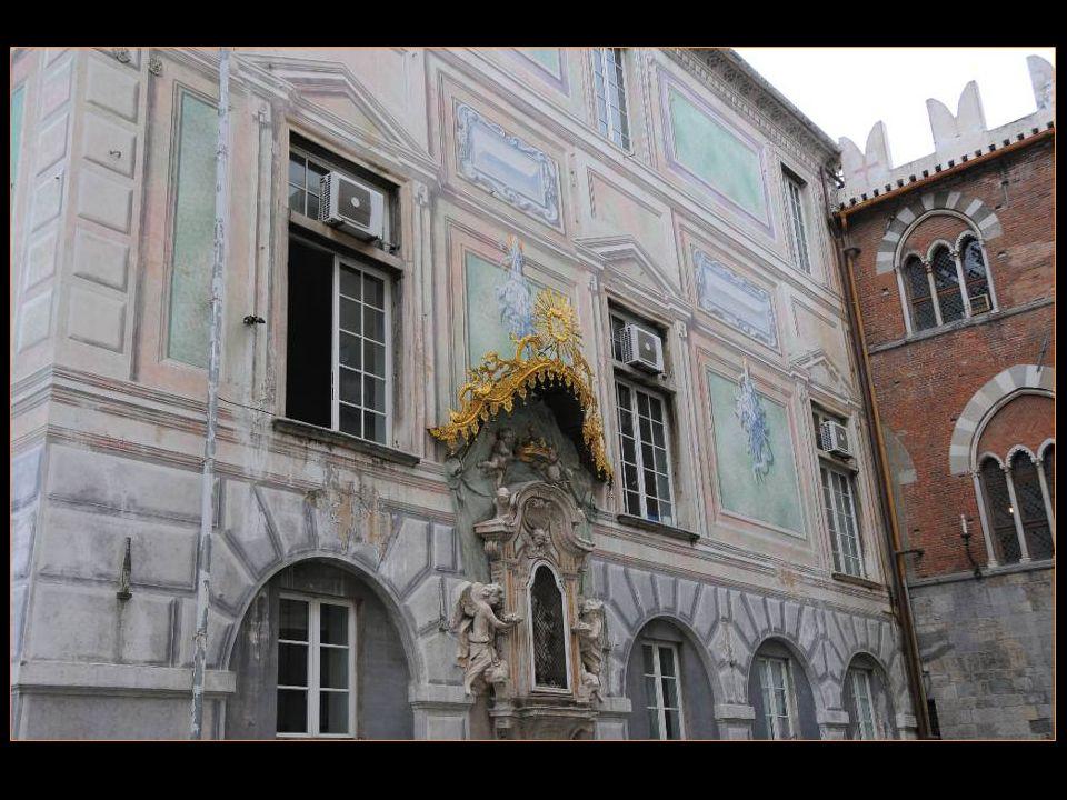 Le palais est Depuis 1903 Le bureau des Autorités portuaires De Gênes