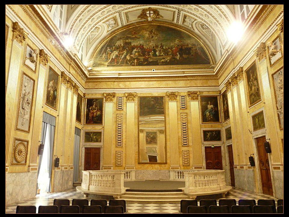 Les Doges de Gênes y résidèrent de 1339 à 1797