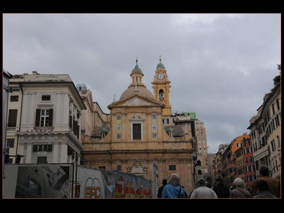 Gênes Genova en italien Zena en ligurien Est la capitale de La Ligurie