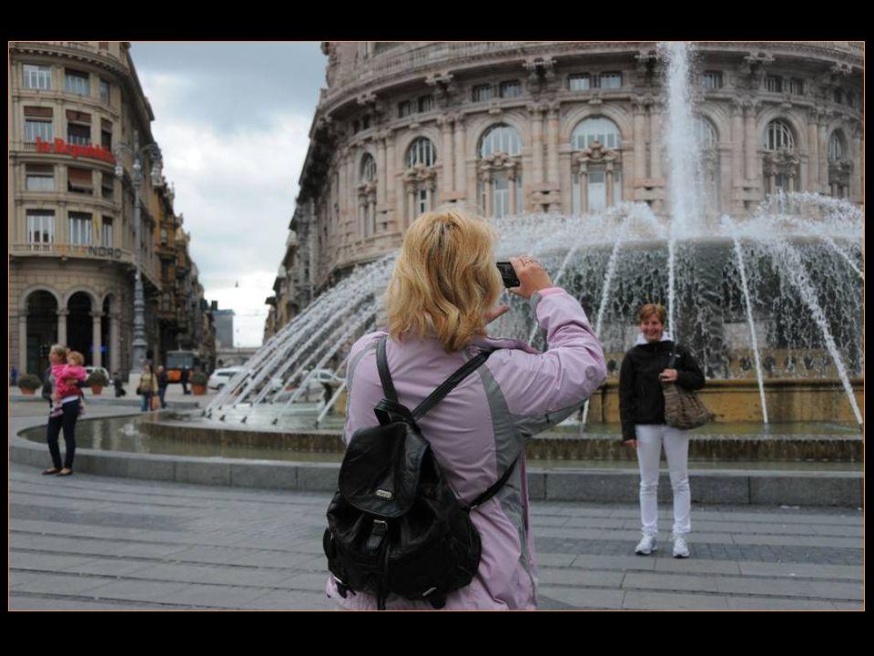 La fontaine Très prisée Des touristes pour la traditionnelle photo souvenir