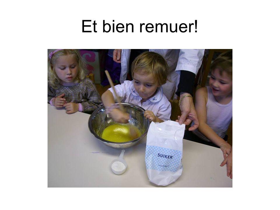 Ajouter 3 mesures de lait