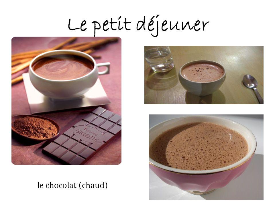Le petit déjeuner le chocolat (chaud)