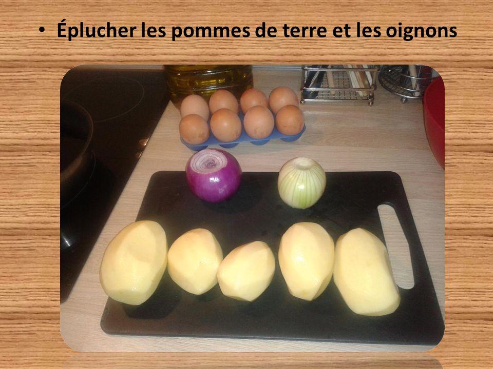 Éplucher les pommes de terre et les oignons