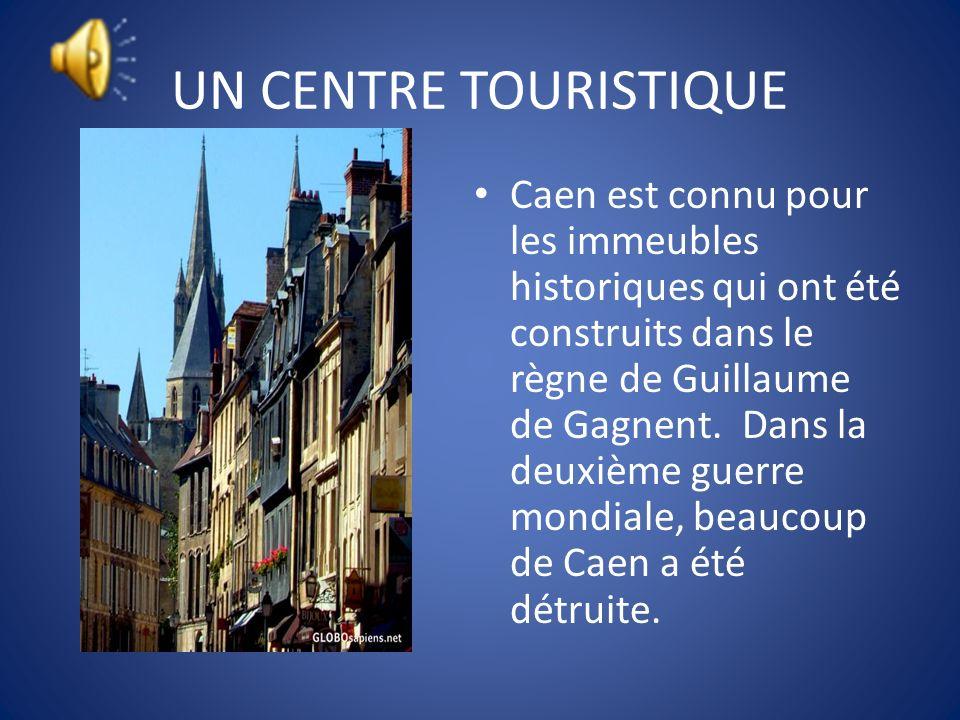 UN CENTRE TOURISTIQUE Mont Saint Michel est sur le fleuve Couesnon en Normandie. William de Volpiano, un architecte italien a dessine lAbby Saint Mich