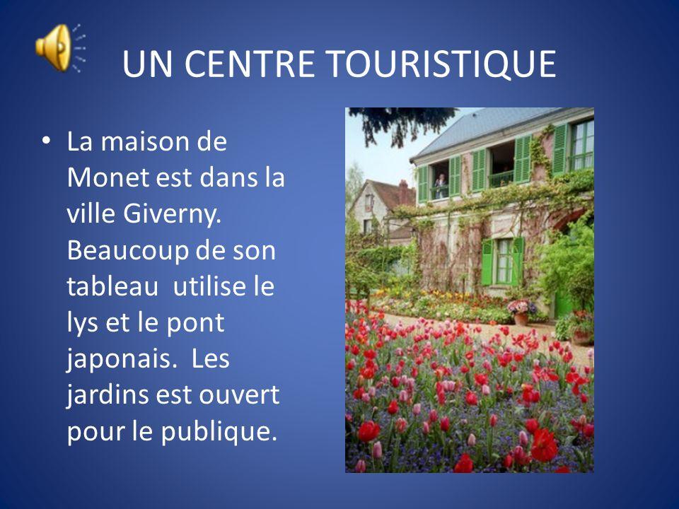 UN CENTRE TOURISTIQUE Rouen est la ville capitale de Normandie. Il y a une Notre Dame Cathédrale dans cette ville aussi. La Cathédrale est dans beauco