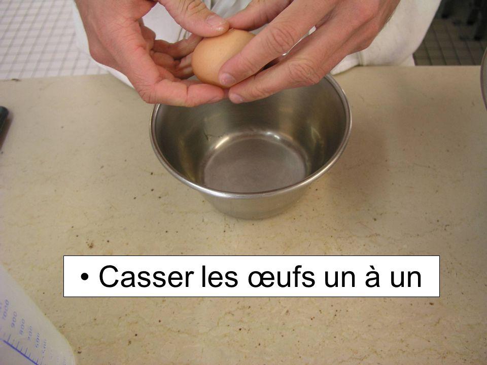 Casser les œufs un à un