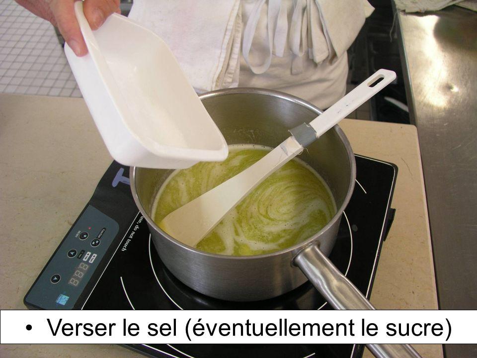 Dresser sur la plaque de cuisson selon la forme demandée