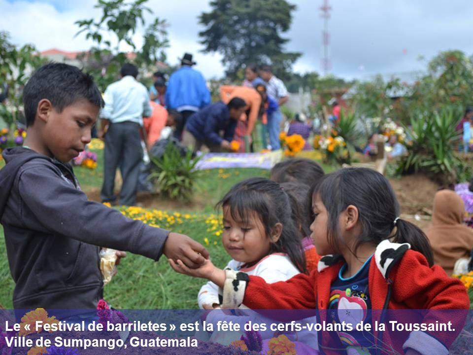 Le « Festival de barriletes » est la fête des cerfs-volants de la Toussaint. Ville de Sumpango, Guatemala