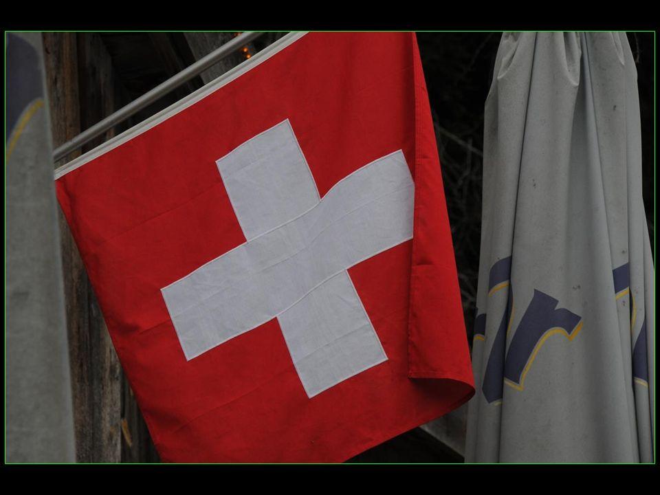 même le drapeau suisse est hissé en notre honneur