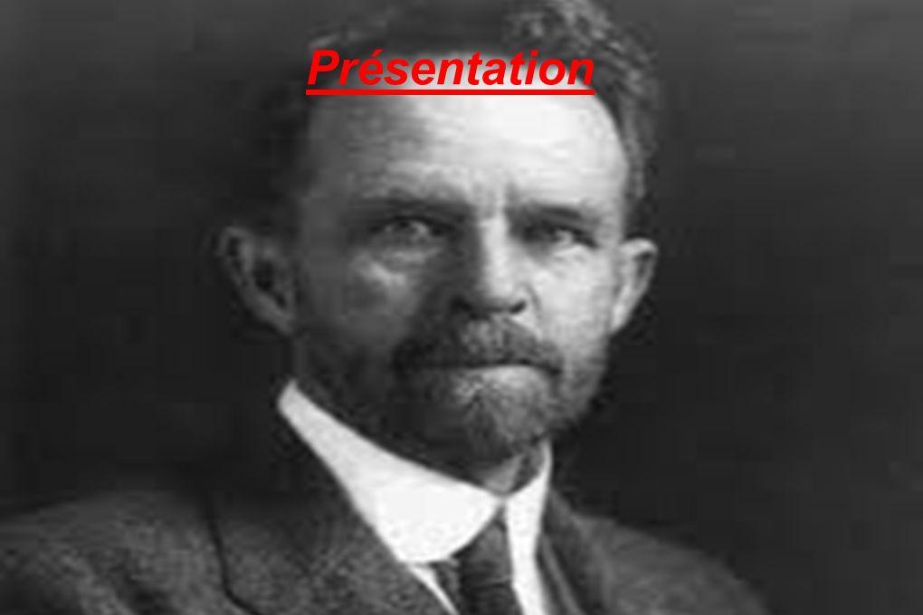 Thomas Hunt Morgan est né le 25 septembre 1866 à Lexington et mort aux États- Unis - 4 décembre 1945 à Pasadena, Californie) Il étudia la zoologie et les variations phénotypiques chez la mouche du vinaigre Drosophile.