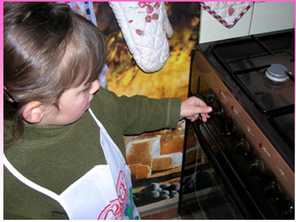 « Un grand feu tu allumeras » ensuite bien suivre les instructions de la stroumpfette et du grand stroumpf si on veut se régaler