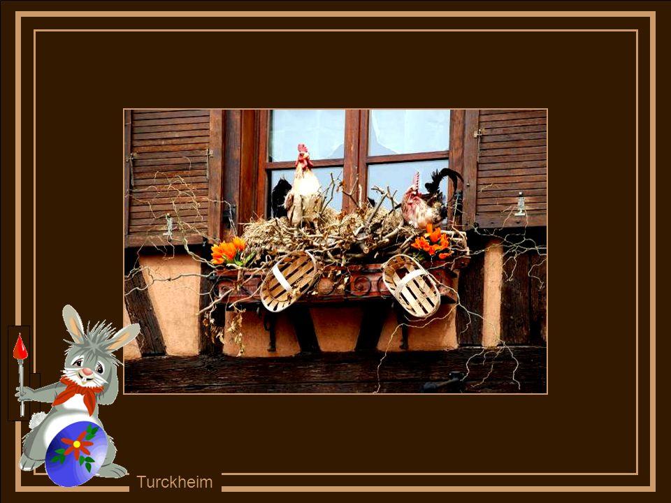Les façades et jardins se décorent on fête le renouveau