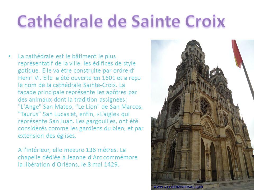 La cathédrale est le bâtiment le plus représentatif de la ville, les édifices de style gotique. Elle va être construite par ordre d Henri VI. Elle a é