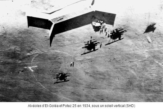 Alvéoles dEl-Goléa et Potez 25 en 1934, sous un soleil vertical (SHD)