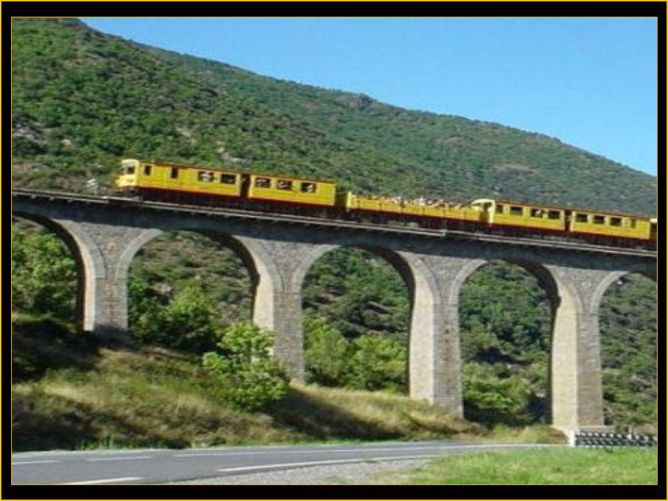 La ligne de Cerdagne ou Train Jaune a connu en 1909 un accident qui coûta la vie à six personnes dont lingénieur Albert Gischard concepteur du pont su