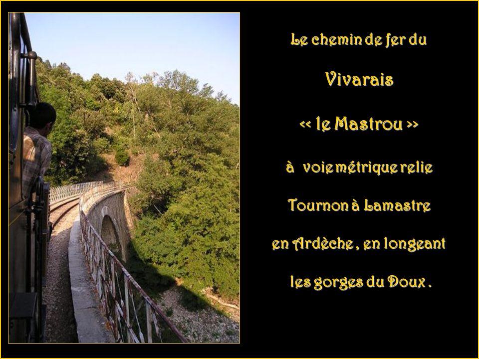 Viaduc de Morez dans le Jura. Ligne des Hirondelles, Andelot-La Cluse. Le nom poétique de cette ligne est inspiré de la grâce et la beauté des viaducs
