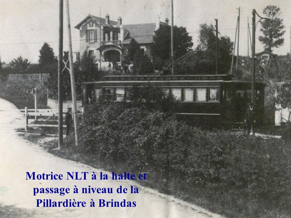 Motrice NLT « Chemin de fer » en gare de Soucieu en Jarrest