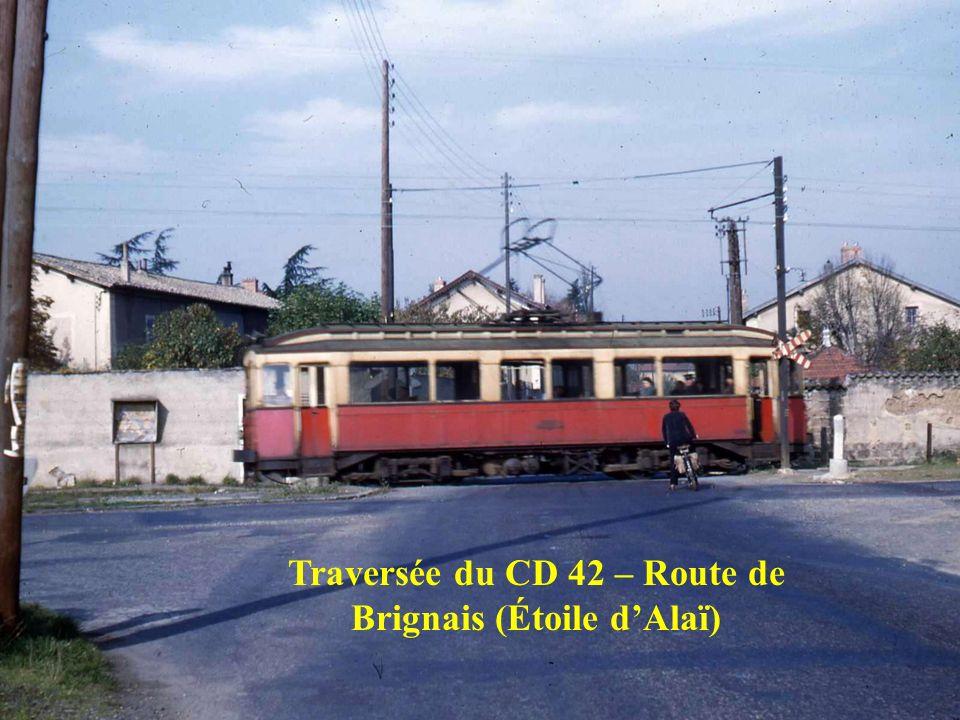Traversée de lavenue Barthélémy BUYER à Lyon 5ème (Ex Nationale 7)