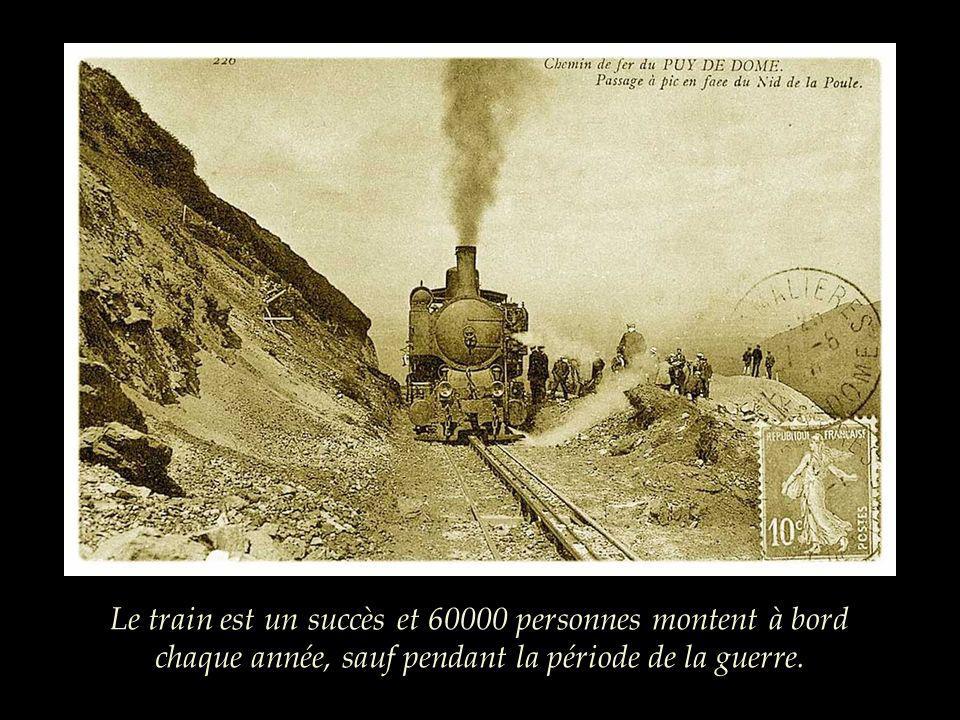 Certains passagers sont imprudents et ne restent pas à lintérieur des baladeuses; en 1910, lun deux changea de voiture alors que le train roulait et i