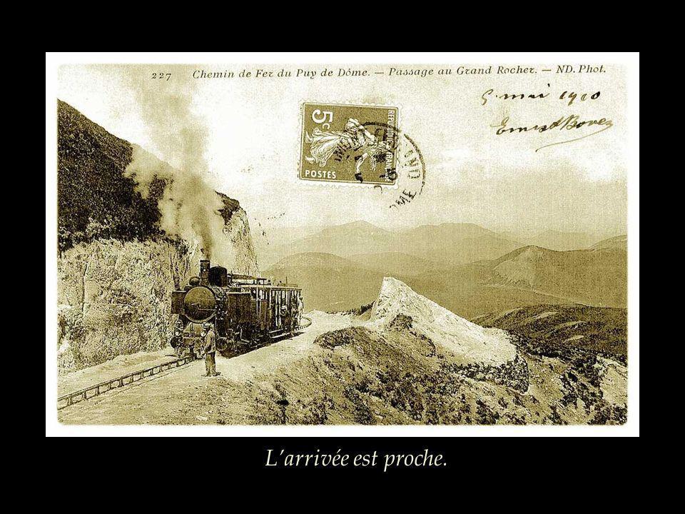 Pendant cette période douloureuse, le train ne fonctionne pas, les locomotives sont réquisitionnées et reviennent en 1919.