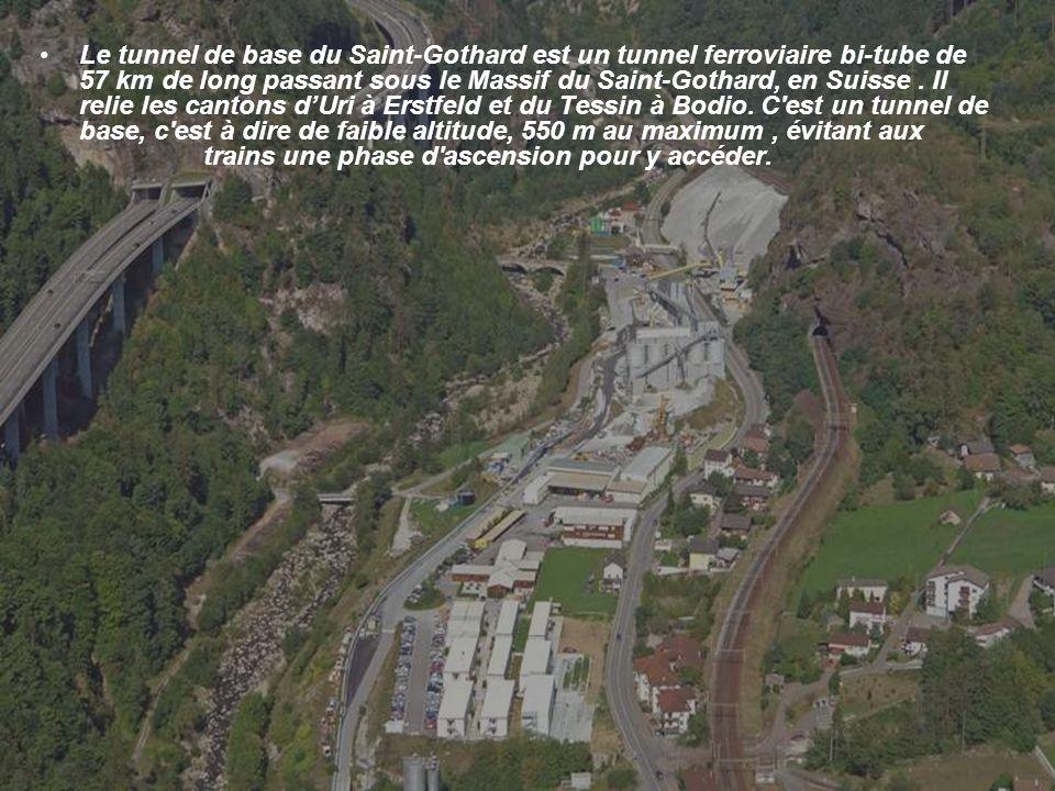 Le tunnel de base du Saint-Gothard est un tunnel ferroviaire bi-tube de 57 km de long passant sous le Massif du Saint-Gothard, en Suisse.