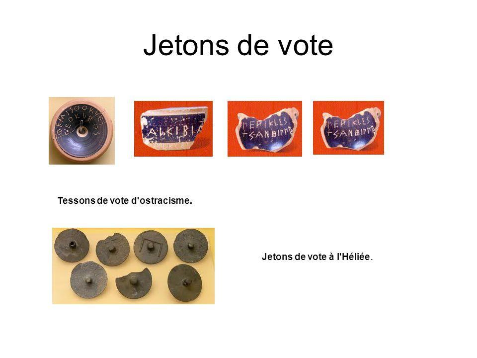 Jetons de vote Tessons de vote d'ostracisme. Jetons de vote à l'Héliée.