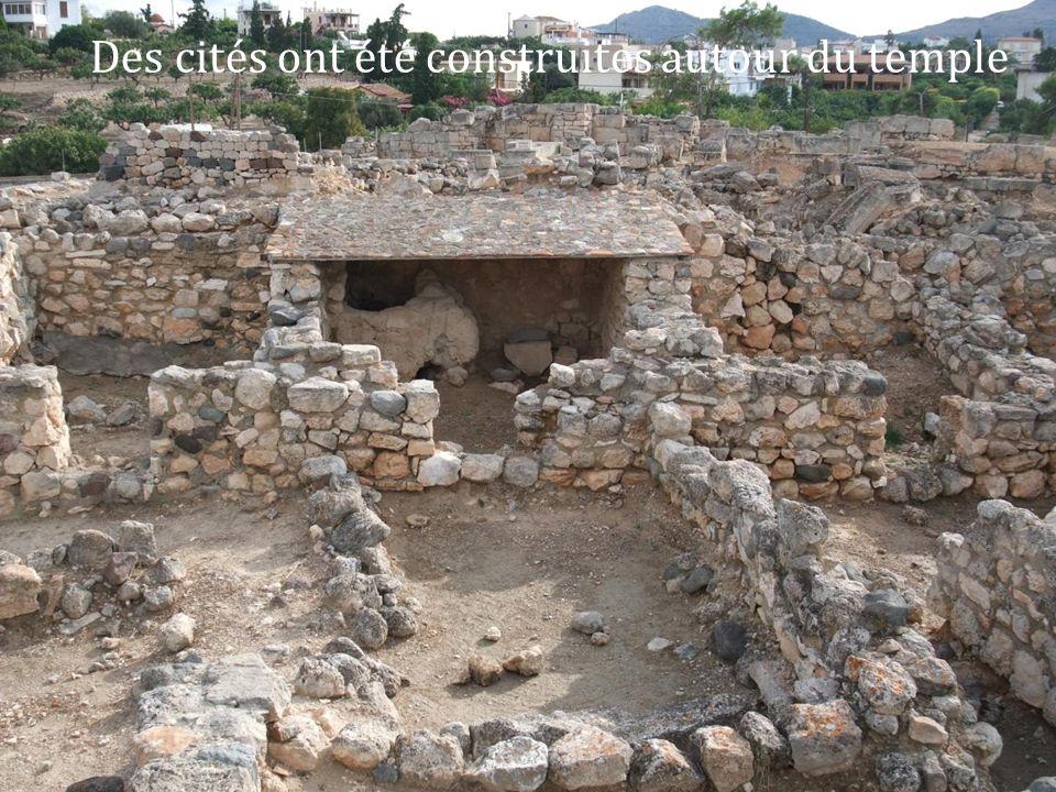 Des cités ont été construites autour du temple