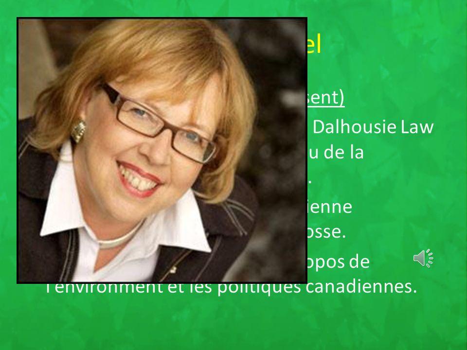 Son chef actuel Elizabeth MAY : (2006 - présent) est une avocate diplômée de la Dalhousie Law School et a été reçue au Barreau de la Nouvelle Écosse et de l Ontario.