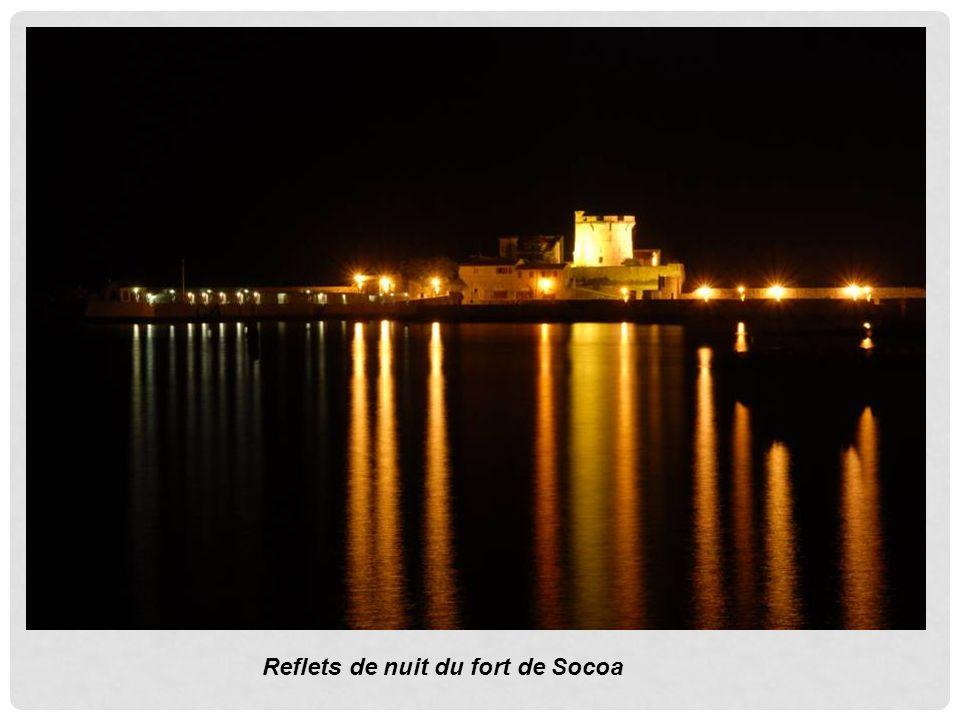 Reflets de nuit du fort de Socoa